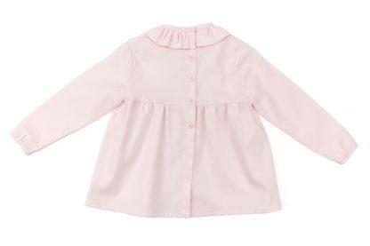Vista espalda blusa rosa lisa. Modelo Rose.