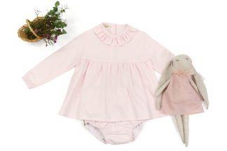 Exposición de camisa y culotte rosa liso. Modelo Rose.