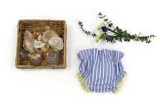 Exposición Culotte Nautic, color azul de rayas.