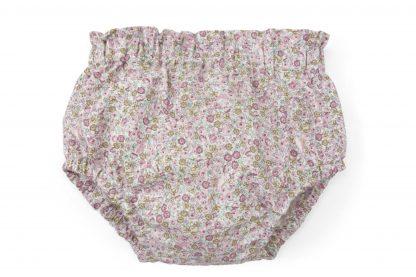 Vista frontal culotte estampado flores pequeñas tonos rosa. Modelo Peonia.