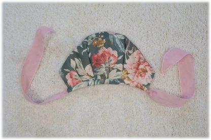 Vista trasera capota estampada flores verde y rosa