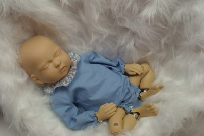 Maniquí bebé con ranita Alexandre