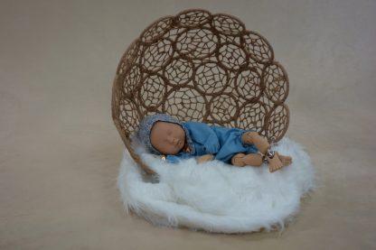 Maniquí bebé con ranita y capota Alexandre.
