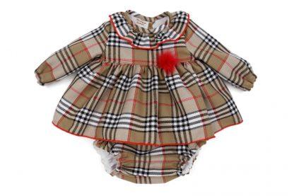 Vista frontal jesusito tartan Charlotte bebé