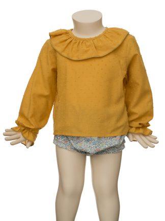 Maniqui con culotte estampado Liberty y camisa ocre